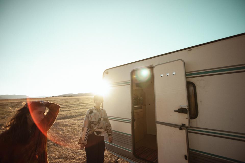 Traveling Den, © Lasha Fox Tsertsvadze